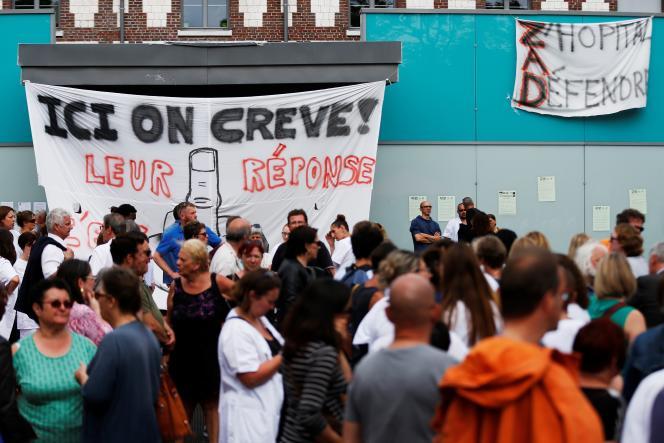Manifestation à l'hôpital du Rouvray,à Sotteville-lès-Rouen (Seine-Maritime), en mai 2018.
