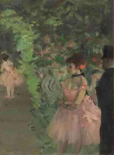 """«Dans l'univers coloré de la scène de l'Opéra, les ballerines en tutu rose apparaissent entre les portants. Mais la silhouette d'un homme en habit noir, tout à droite del'image, entre dans la composition comme par effraction : l'abonné, jouissant duprivilège lui permettant de passer de la salle à la scène, s'approche des danseuses et, peut-être, de celle dont il est, selon le terme consacré, le """"protecteur"""".» Leïla Jarbouai"""