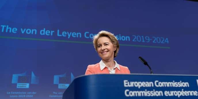 Le 10 septembre 2019 à Bruxelles, Ursula von der Leyen, la présidente de la future Commssion européenne (2019-2024),présente la liste des nouveaux commissaires qui débuteront leurs travaux le 1er novembre.