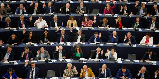A Strasbourg, les eurodéputés haussent le ton face à Boris Johnson