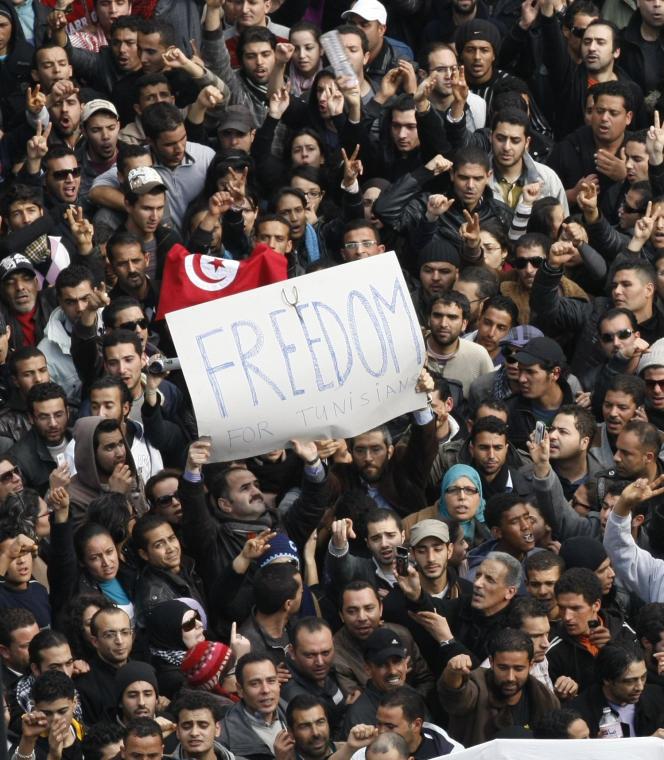 Manifestation contre Ben Ali, le 14 janvier 2011, à Tunis. Il quitte le pays ce jour-là.