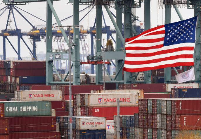 La guerre commerciale entre la Chine et les Etats-Unis est un des éléments qui pèsent sur l'économie mondiale, selon l'OCDE. Ici, dans le port marchand de Los Angeles, le 14 mai.