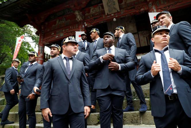 L'équipe de France au sanctuaire Fuji Sengen à Fujiyoshida (Japon), le 15 septembre 2019.