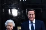 La reine Elizabeth II et David Cameron, alors premier ministre, en 2012 à Downing Street.