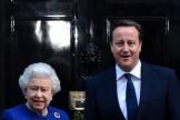 La reine Elizabeth II et David Cameron, alors premier ministre, au 10Downing Street à Londres, en 2012.