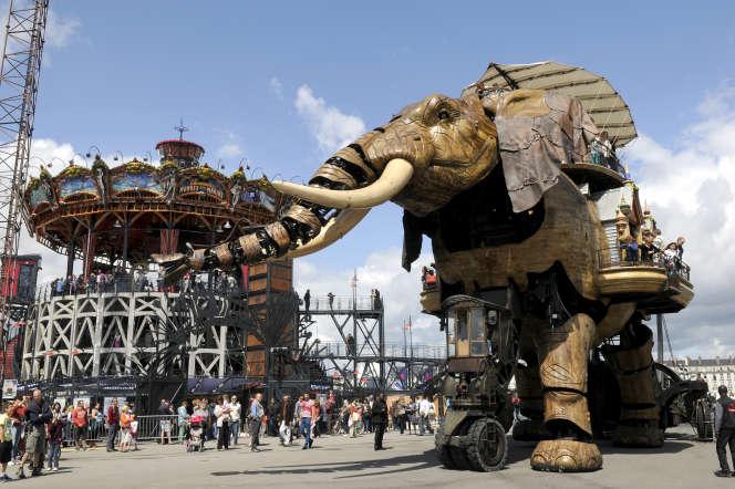 L'éléphant-robot des Machines de l'île, sur le site des anciens chantiers navals, création de Pierre Orefice et François Delarozière.