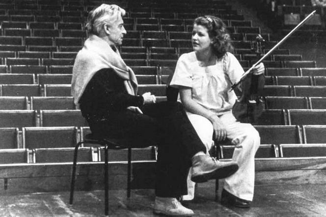 Herbert von Karajan et Anne-Sophie Mutter en 1977.