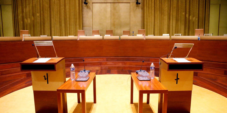 Climat : cinq ministres visés par une plainte déposée devant la Cour de justice de la République