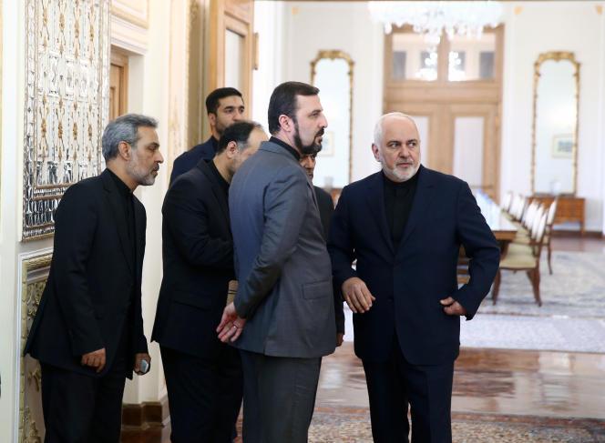 Le ministre iranien des affaires étrangères, Mohammad Javad Zarif (à droite), à Téhéran, le 8 septembre.
