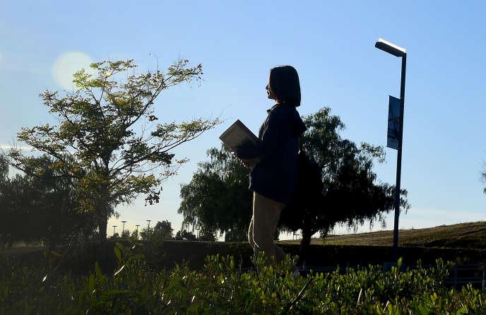 Une étudiante chinoise sur le campus de la Linfield Christian School, à Temeluca (Californie), en mars 2016.