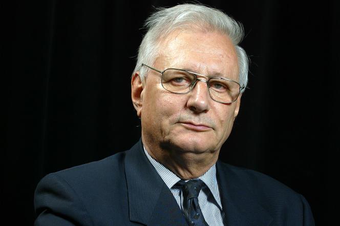 Louis Joinet pris, le 29 septembre 2003, à Paris.