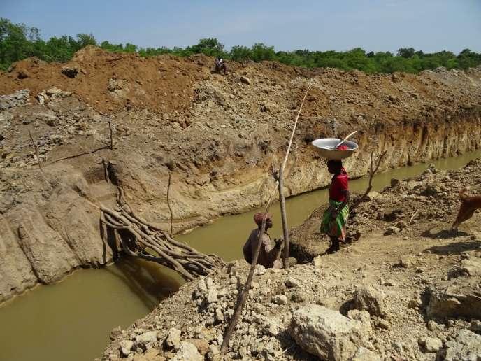 Un site aurifère dans la région de Bozoum, en Centrafrique.