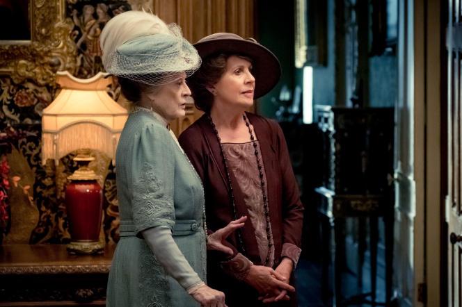 Maggie Smith (à gauche) et Penelope Wilton dans«Downton Abbey», version cinéma.