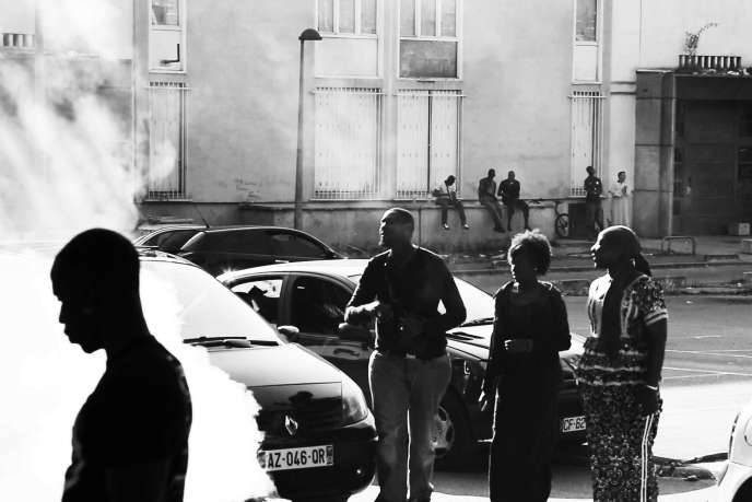 «De cendres et de braises», un documentaire sur les grands ensemblesde la ville des Mureaux, dans les Yvelines.