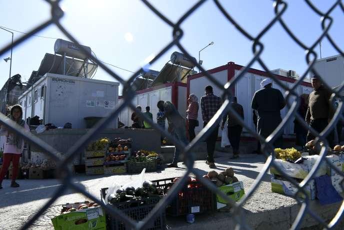 Des migrants et des réfugiés dans le camp de Moria sur l'île deLesbos, en Grèce, le 23 septembre 2019.