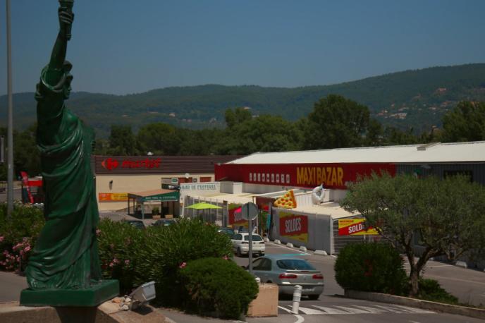 Un centre commercial à Draguignan, dans le Var.
