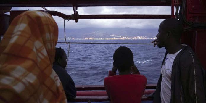 Le navire humanitaire « Ocean Viking » débarque 182 migrants en Sicile