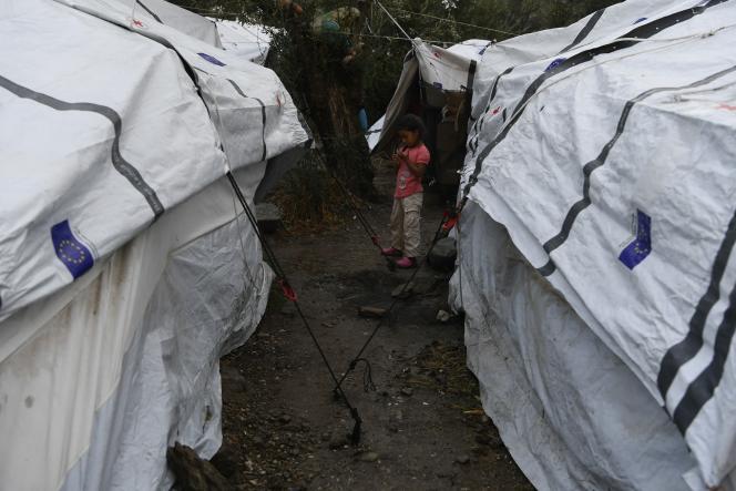 Des tentes dans le camp de Moria, sur l'île de Lesbos, en Grèce.