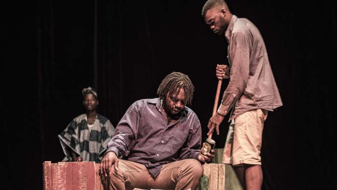 «Cœur minéral», une pièce de théâtre de Martin Bellemare sur les conséquences désastreuses de l'exploitation minière.