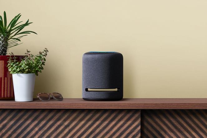 Capable d'adapter sa signature acoustique à la pièce, l'Echo Studio devrait donner de bons résultats quand on la colle aux murs, contrairement à la plupart des enceintes sans fil.