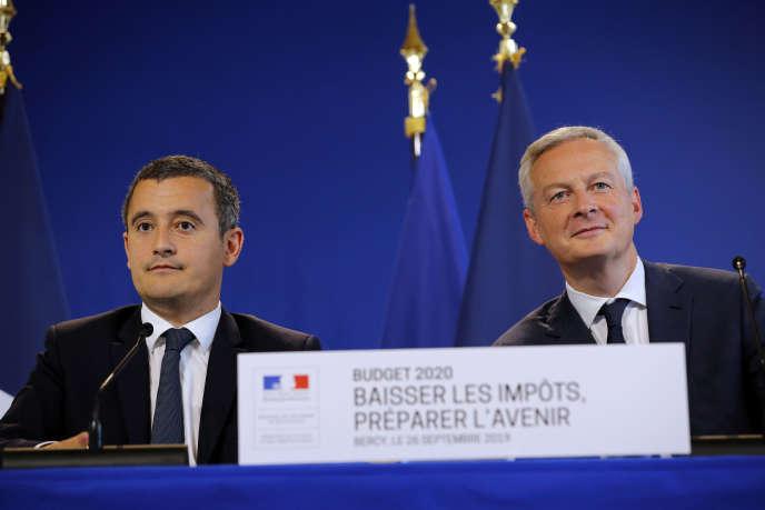 Gerald Darmanin, ministre de l'action et des comptes publics (à gauche), et Bruno Le Maire, ministre des finances, à Paris, le 26 septembre.