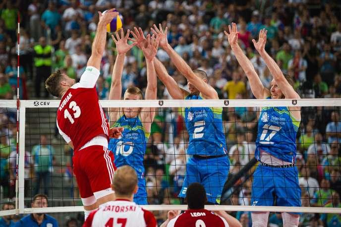 Un smatch du polonais Michal Kubiak, à l'Arena Stozice, à Ljubljana, en Slovénie, le 26septembre.