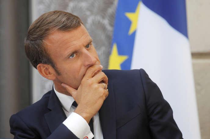 Emmanuel Macron« prendra le temps qu'il faut » pour « échanger librement », a indiqué l'Elysée.