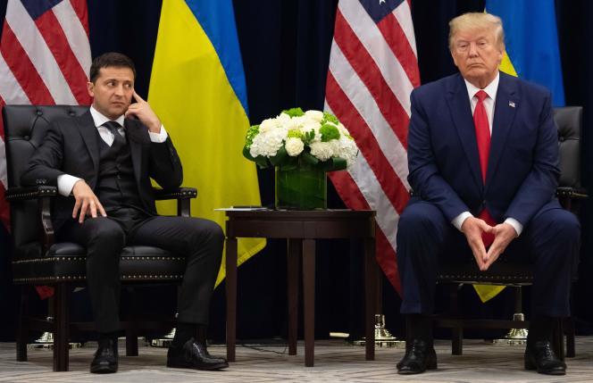 Le président ukrainien Volodymyr Zelensky et Donald Trump lors de leur première rencontre à l'occasion de l'Assemblée générale des Nations unies, à New York, le 25 septembre.