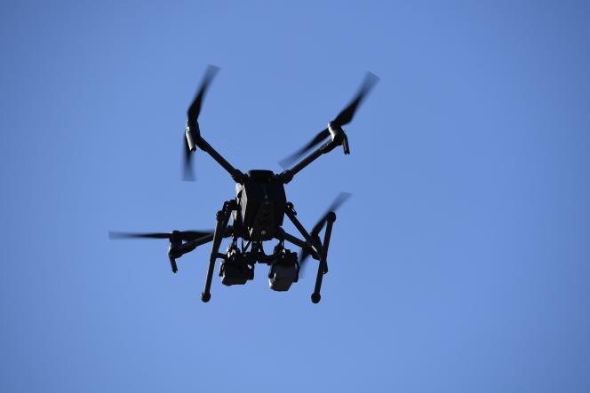 Un drone DJI mis en service par le Los Angeles Fire Department.