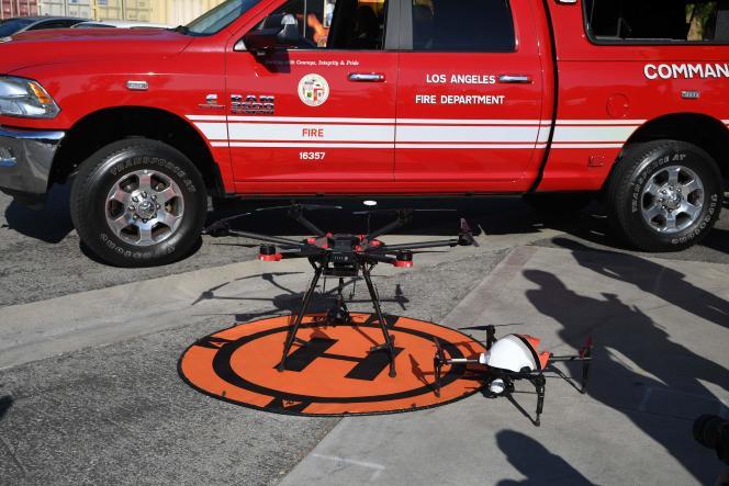 Deux drones appartenant aux pompiers de Los Angeles.