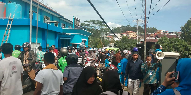 Au moins un mort après un puissant séisme dans l'est de l'Indonésie