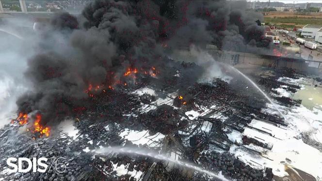 Le 27 septembre 2019, l'incendie à Rouen, d'une installation de stockage, propriétéde Lubrizol, fabricant de lubrifiants industriel et d'additifs pour carburants.