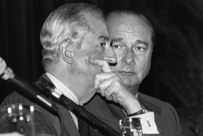 Edouard Balladur et Jacques Chirac lors d'un conseil national du RPR, à Paris, le 13 avril 1994.