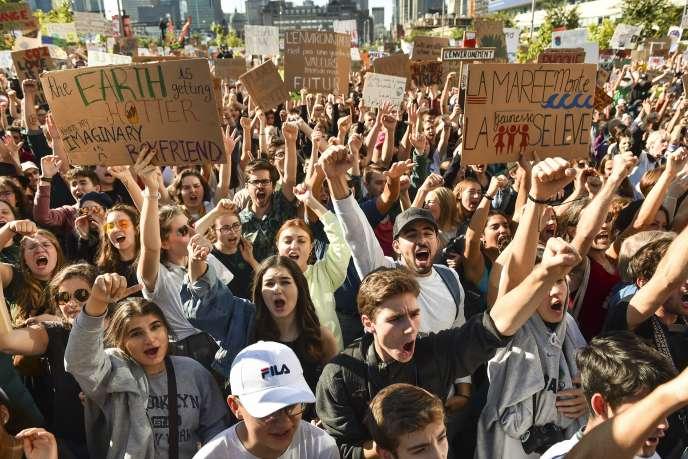 Les manifestants sont sortis en nombre dans les rues de Montréal, vendredi 27 septembre.