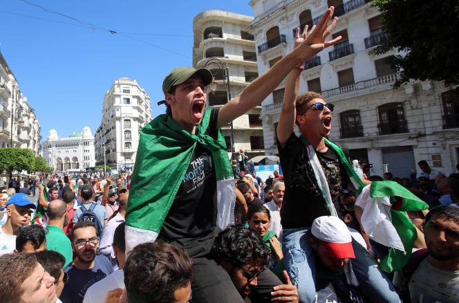 Manifestation antigouvernementale dans les rues d'Alger, mardi 24 septembre 2019.