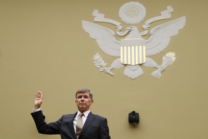 Le président s'en est pris à M. Maguire lors d'une rencontre dans le bureau Ovale la semaine dernière, en le fustigeant pour le « manque de loyauté » de son personnel.