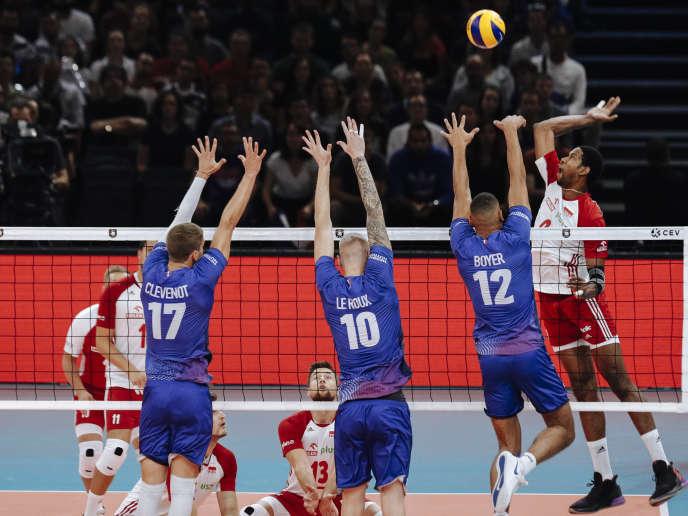 En petite finale, l'équipe de France a subi la loi de Wilfredo Leon et de la Pologne.