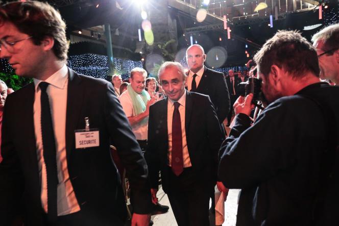 A Paris, s'est tenu le 28 septembre a premiere édition de la «convention de la droite», organisée par des proches de Marion Maréchal Le Pen, avec des invités comme Gilbert Collard, Eric Zemmour, ou encore Candace Owens.