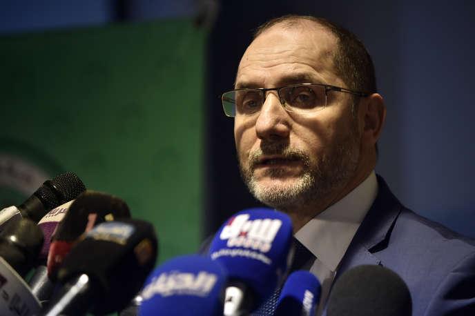 Abderrazak Makri, président du Mouvement de la société pour la paix, lors d'une conférence de presse qu'il a animée au siège de son parti, à Alger, le 29 septembre 2019.