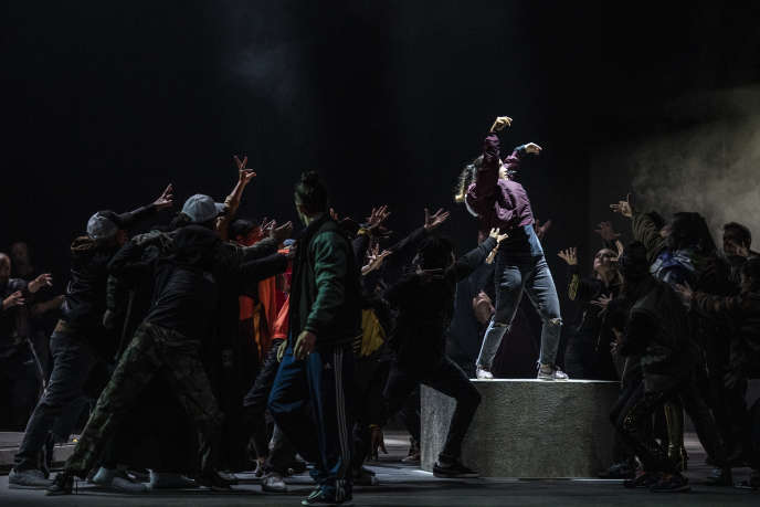 """""""Les Indes galantes"""" de Rameau mis en scène par Clément Cogitore et à l'Opéra Bastille."""