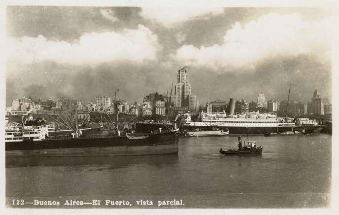 Carte postale du port de Buenos Aires, Argentine, vers 1940.