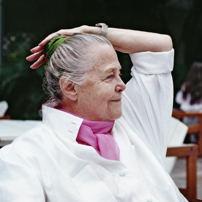 Charlotte Perriand à Rio, en 1987.