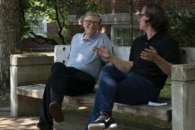 Davis Guggenheim, à droite, s'entretient avec Bill Gates dans «Inside Bill's Brain: Decoding Bill Gates».