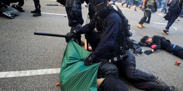 A Hongkong, le rôle de la police en accusation face aux manifestants