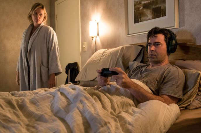 Charlize Theron (Marlo) et Ron Livingston (Drew) dans «Tully» (2018), de Jason Reitman.