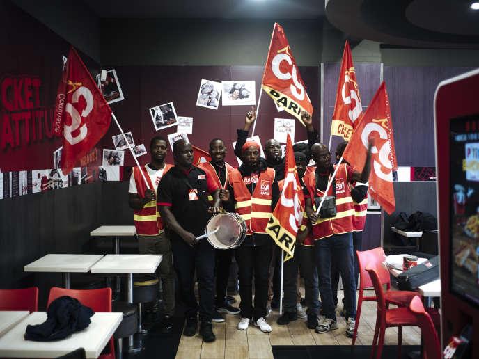 Au KFC de la place d'Italie, à Paris, le 1er octobre.