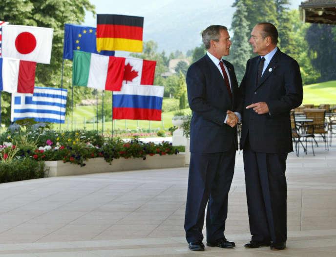 Jacques Chirac et George W. Bush, lors d'un sommet du G8 à Evian, en juin 2003.