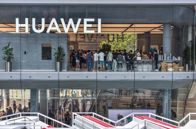 Nouvelle boutique Huawei, inaugurée à Shenzen en Chine, le 28 septembre.