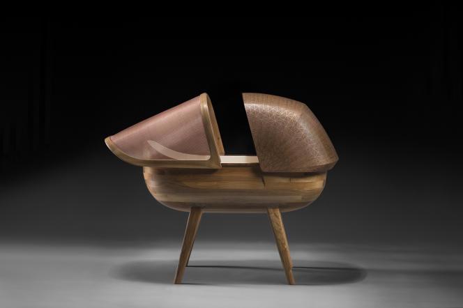 Le berceau «Argo» a été réalisé par l'ébeniste Ludwig Vogelgesang et les designersGuillaume Lehoux et André Fontes.