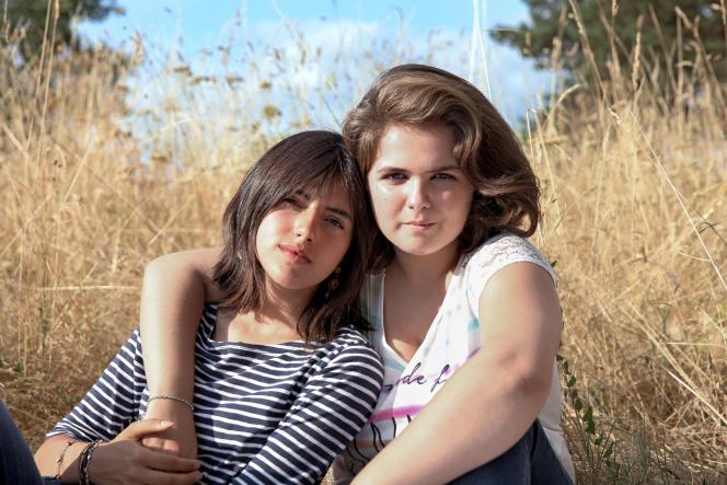 Emma et Anaïs, suivies de leurs 13 à leurs 18ans par Sébastien Lifshitz pour son film «Adolescentes».